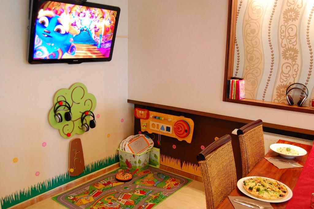 Kinderecke im Restaurant Kamino